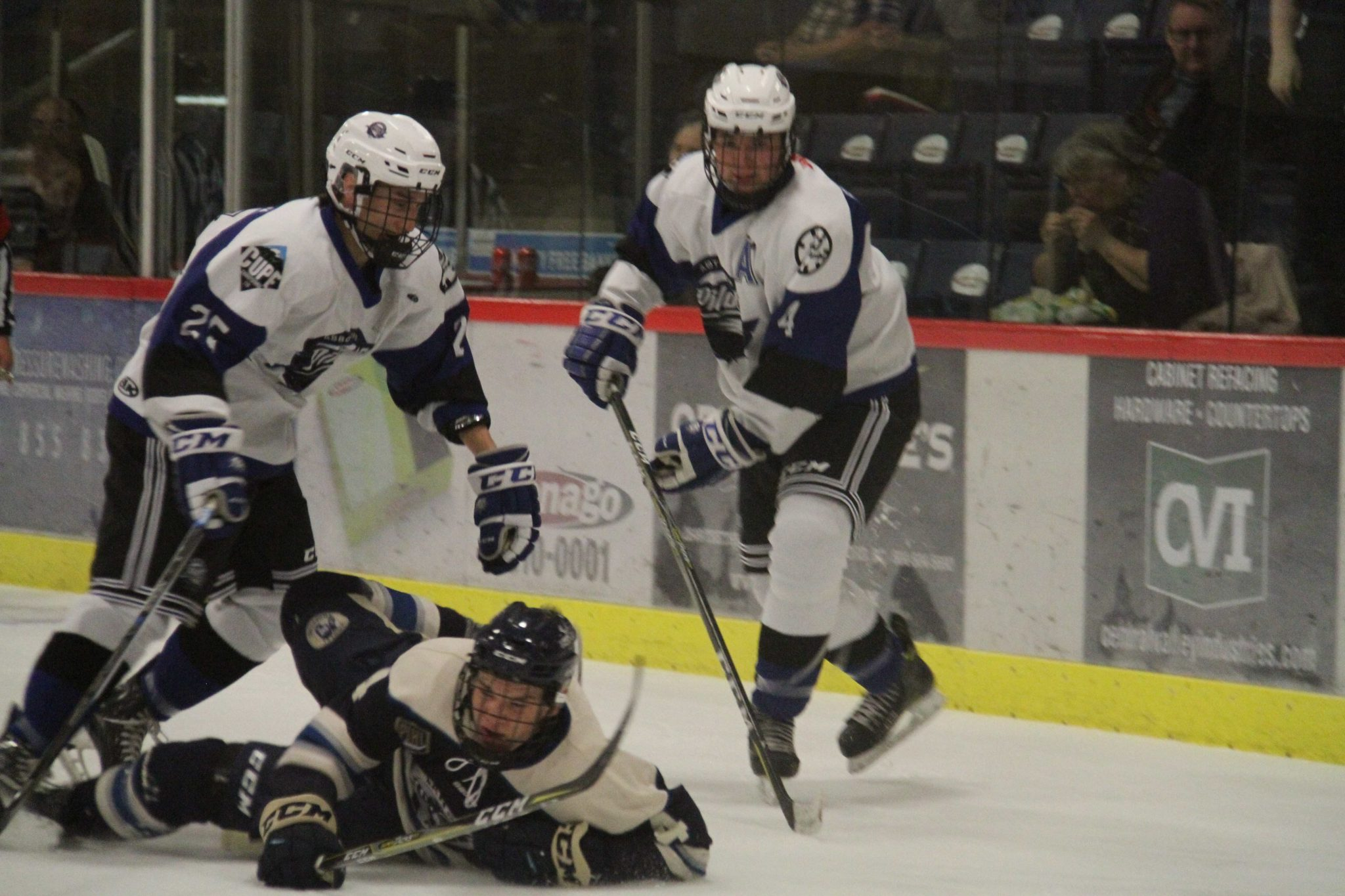 Abbotsford Pilots Shutout by Langley Trappers