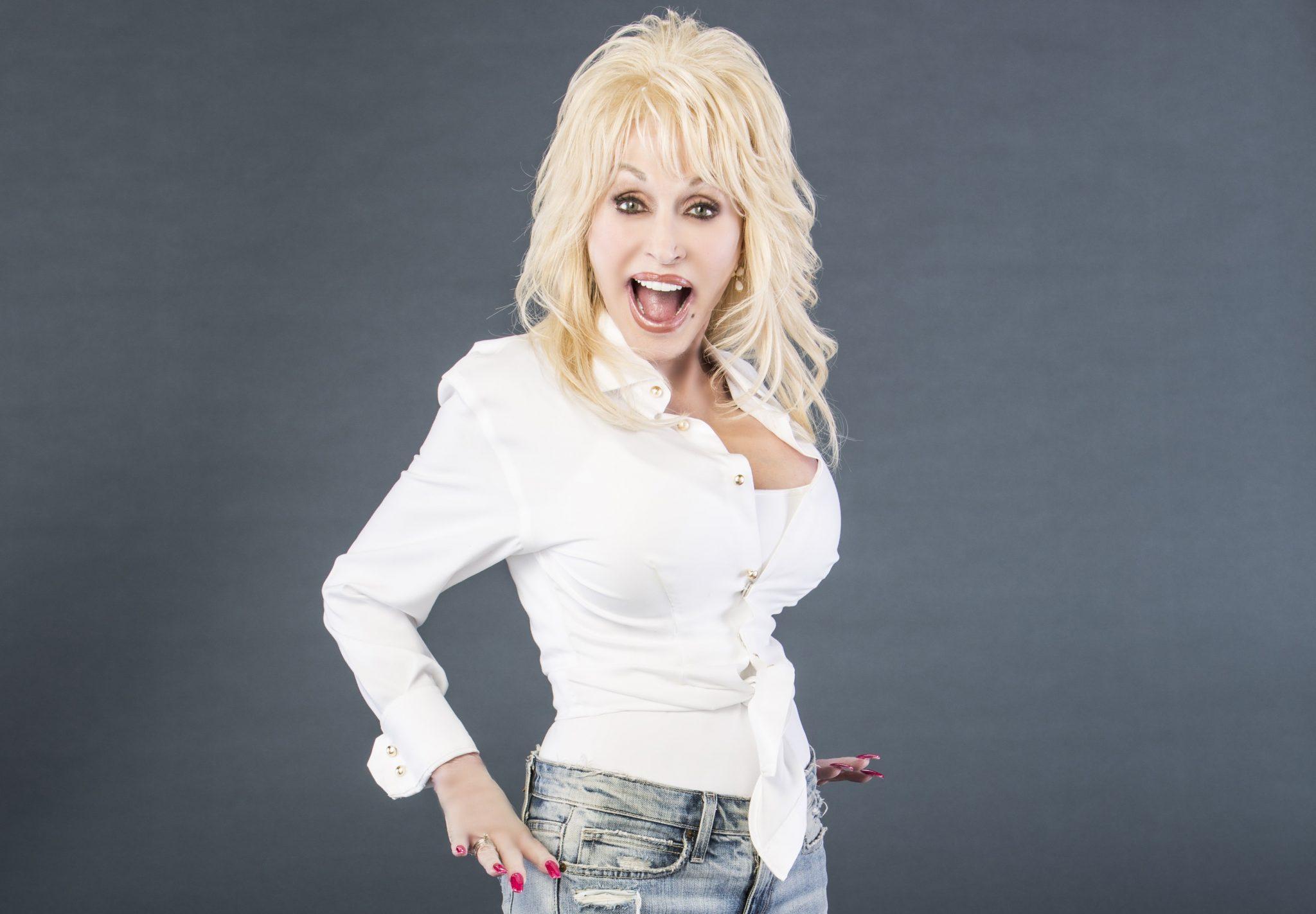 TELUS Optik TV Says Hello Dolly Parton!